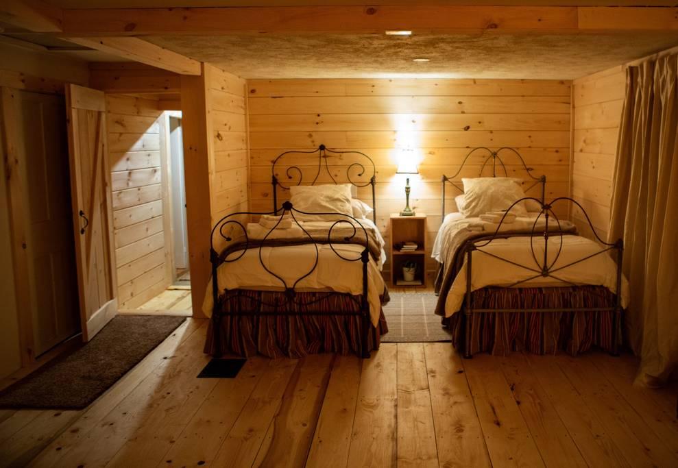 Bedroom 2 Singles.jpg