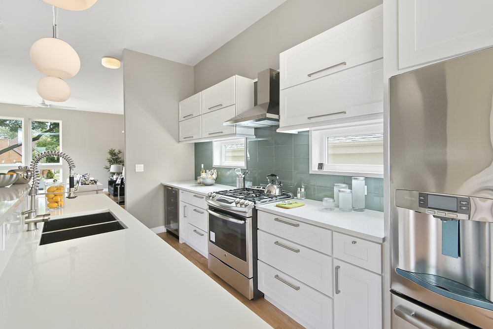3848 N Nottingham kitchen 1_1.jpg