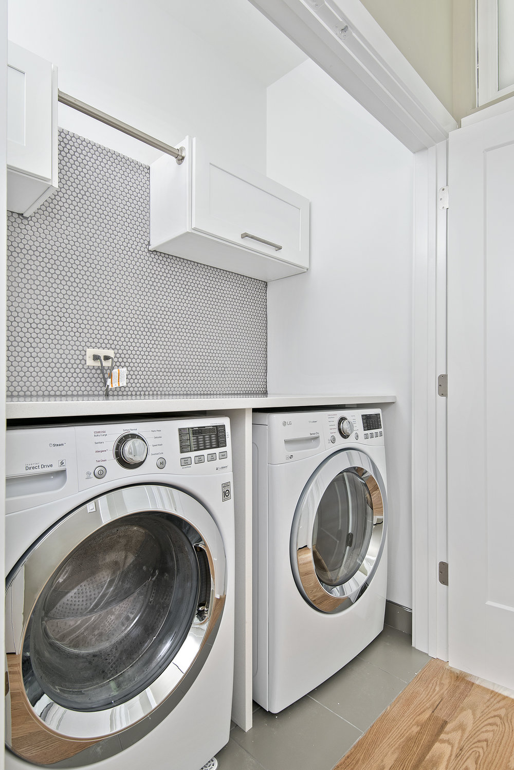 3848 N Nottingham laundry.jpg