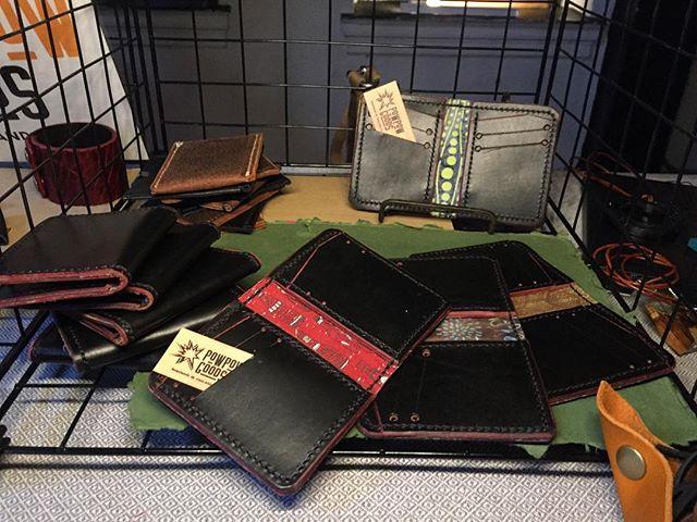 Wallets wallets wallets #leather #leatherwork #wallets #powpowgoods #popup #queer #queermakers #handmade #fashionaccessories #madeinoakland #oakland