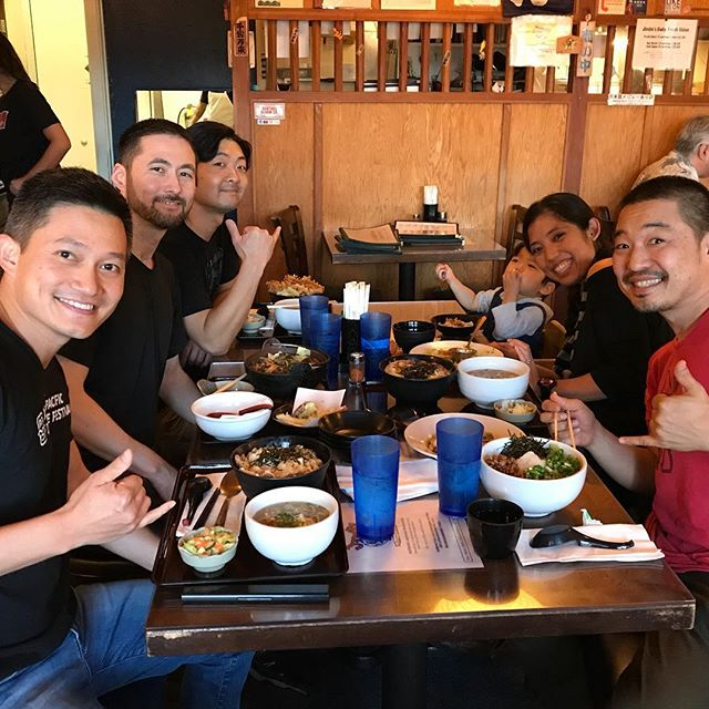 We made it to Honolulu! Of course, our first meal was at @jimbohawaii! Udon! So ono. Courtney and Ayden joined us! Thanks @erch01 for all your help. Thank you @kennyendotaiko for lending us your taiko! Maz lead a workshop tonight for the Taiko Center of the Pacific and they learned Swinging Slow and Fast. #freshudon #brokedamouth #taikoworkshop where's @abelagrimasjr?