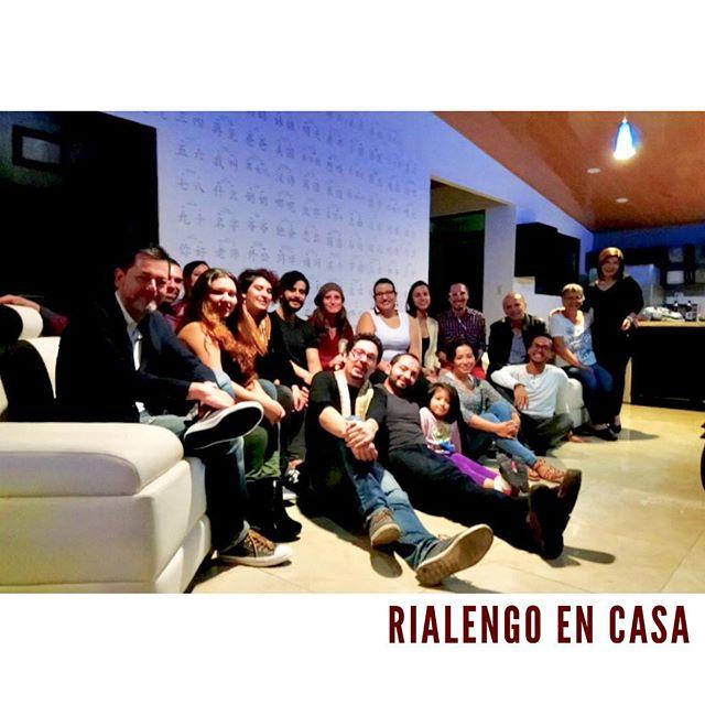 Noche espectacular en casa de Sergio Guillén! Velada llena de aportes y buenas vibras para el proyecto #palante! #rialengoencasa !