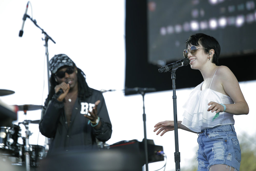 BLOOD ORANGE W/ CARLY RAE JEPSEN