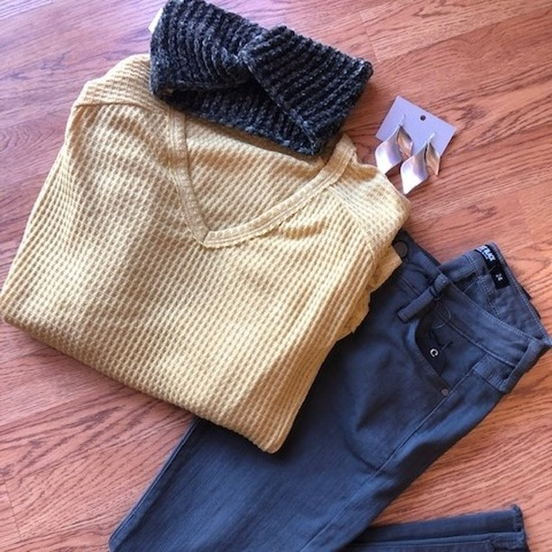 Get cozy this Sunday with our favorite Mustard Waffle Weave Long Sleeve Top and Olive Jeans. Closed today but we will open back on Tuesday. See you then! ⠀⠀⠀⠀⠀⠀⠀⠀⠀ #boutique44#fallingfor44#findyour44#belairmd#fallston#harfordhasit#churchville#baltimoreboutiques#flatlay#flatlaynation#cozysunday