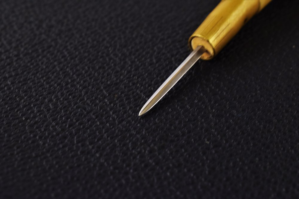 The awl must be maintained as sharp as possible and polished before each use for the best results.