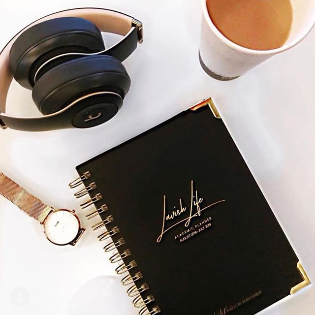 **GIVEAWAY 🚨 ALERT** We have teamed up with influencer @lavishruby to giveaway one of her Lavish Life Planners!! This planner is beautifully made and has all the things you need to get your 2018 and next year on track. Only rules are: you must tag a friend below and be following @thebisforboss and @lavishlifebrand. Simple! Right? Winner announced on this post on 10/20.