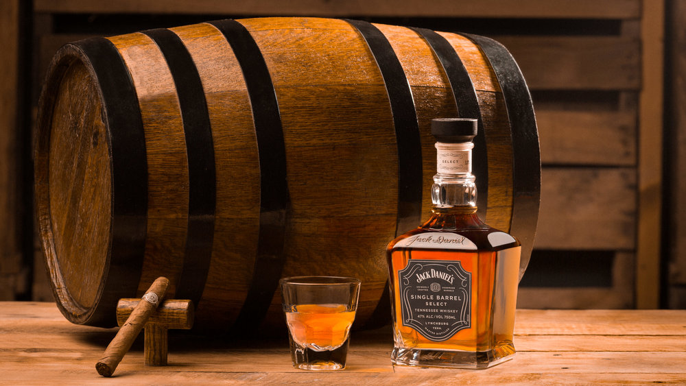 Jack Daniels Whiskey & Montecristo Cigar