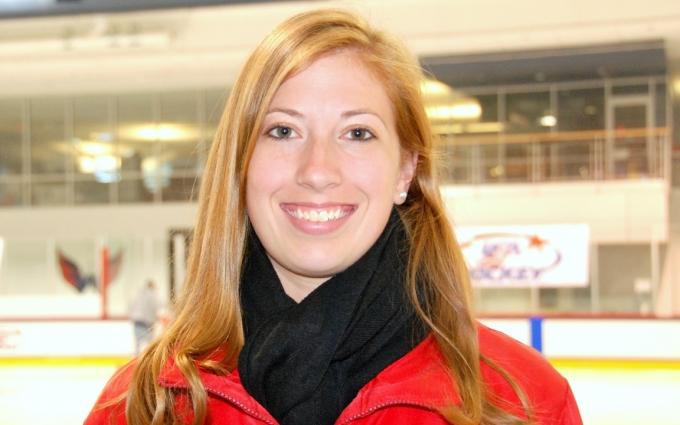 Nicole Davies - Headshot.jpg