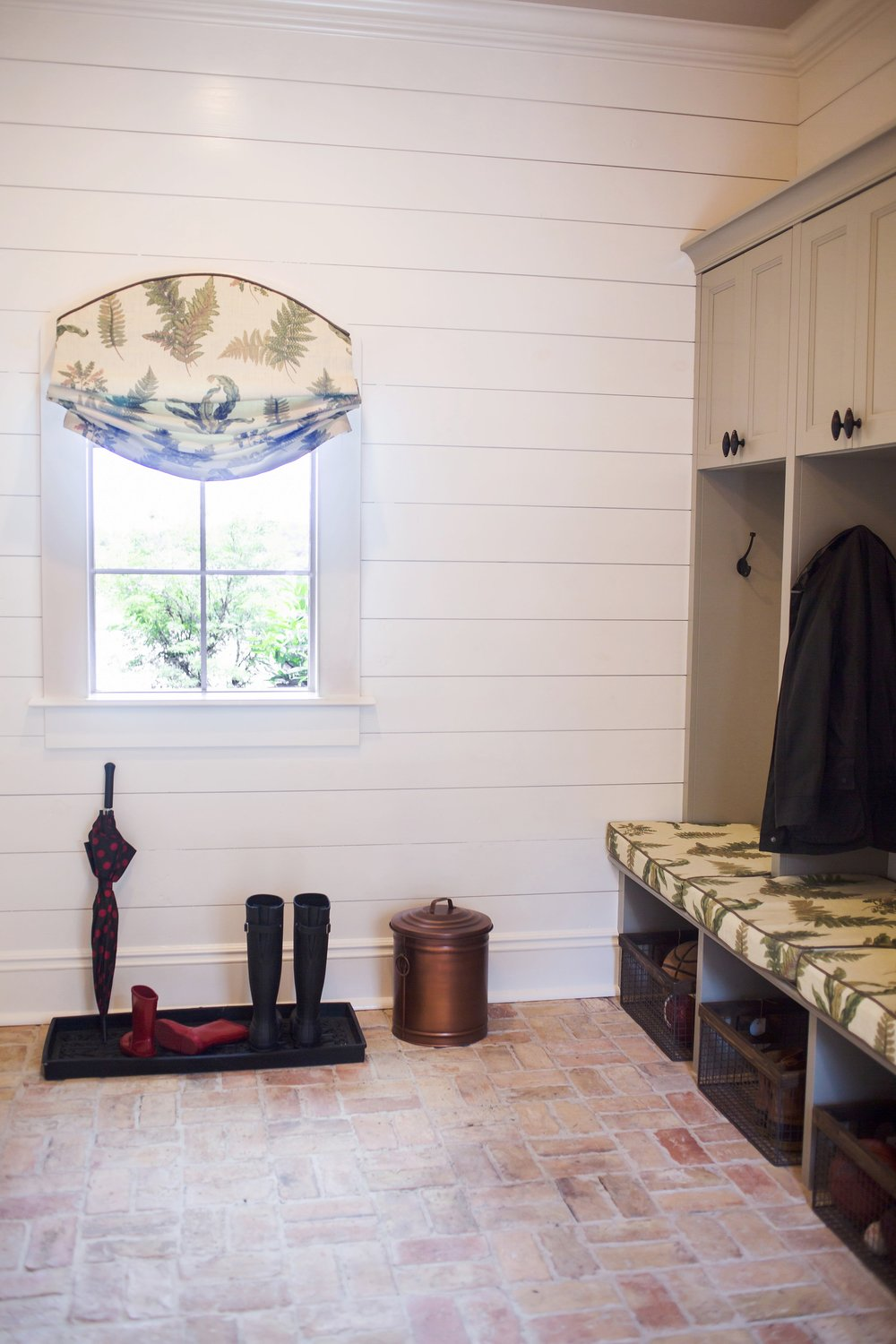 LAUNDRY, ENTRYWAYS & MUDROOMS -