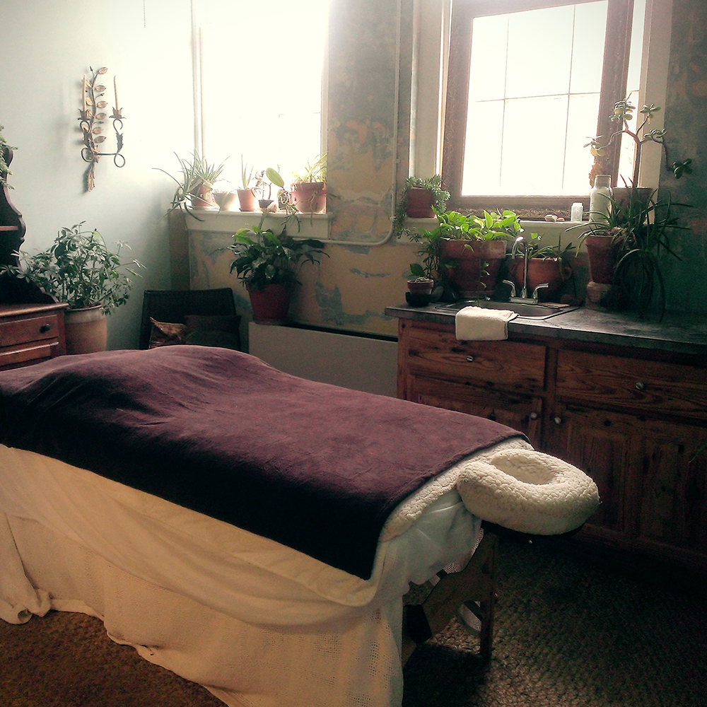 Duane Gibson  Massage Therapy  /  Studio 204  justpeachy2@gmail.com