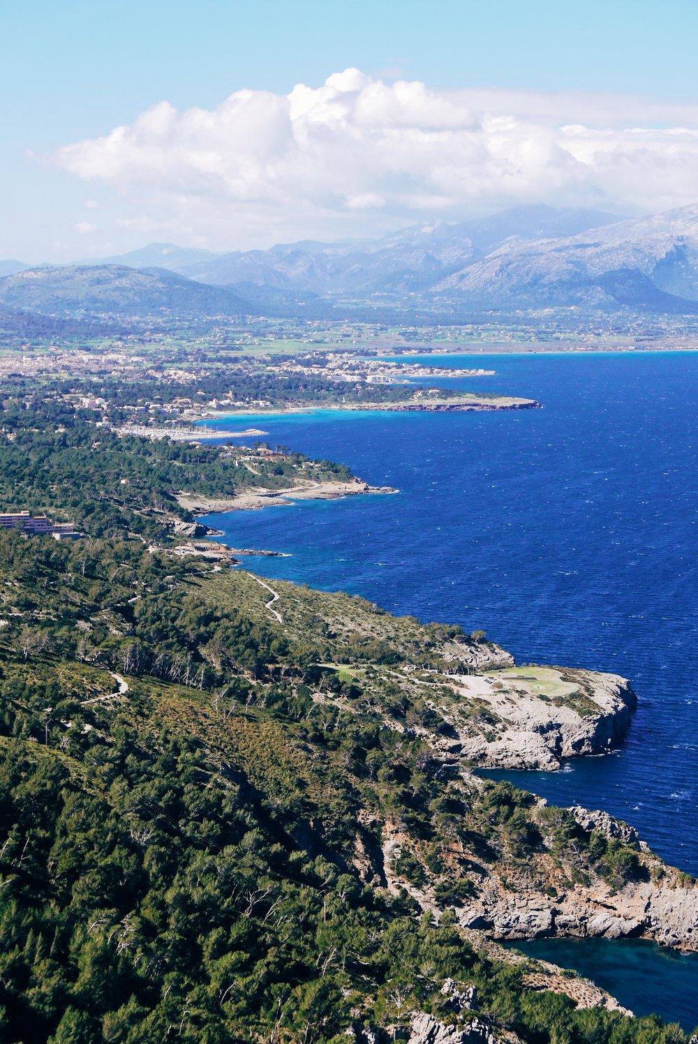 A gorgeous, fictional kingdom set in a Mediterranean paradise. Welcome to Valdoria!