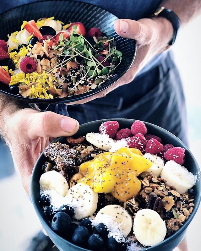What's your favourite? Açai bowl or Bircher 😅👌😁 #townsvilleshines #citylane #townsville
