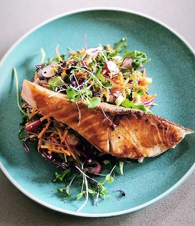 Born Wild fish special 🐟 🐟 Atlantic Salmon & Asian Slaw 🍴🍴