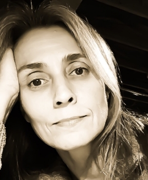 Cindy James.jpg
