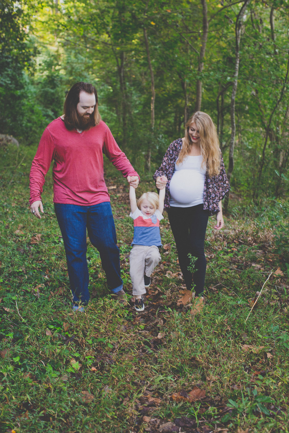 family nature bohemian lifestyle maternity photo