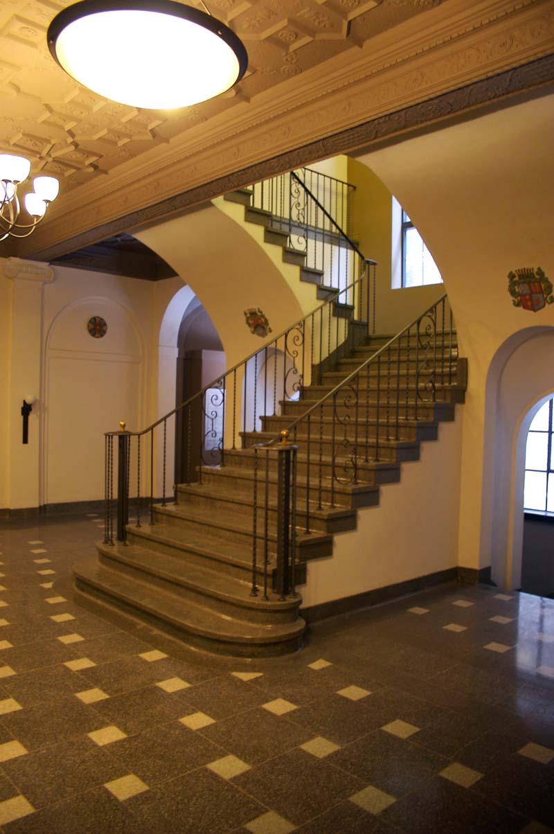 Ens_Stair1.jpg