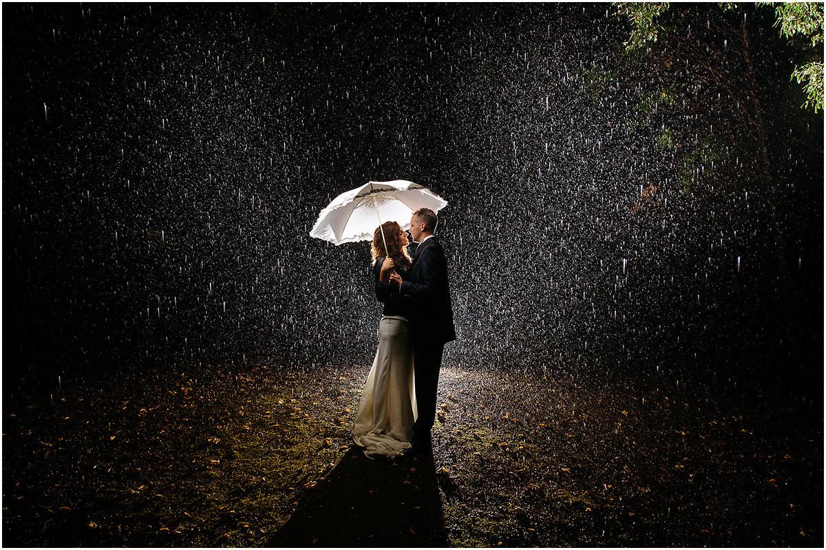 Foto matrimonio sotto la pioggia - Rossella e Mirko 7e1d83dd026