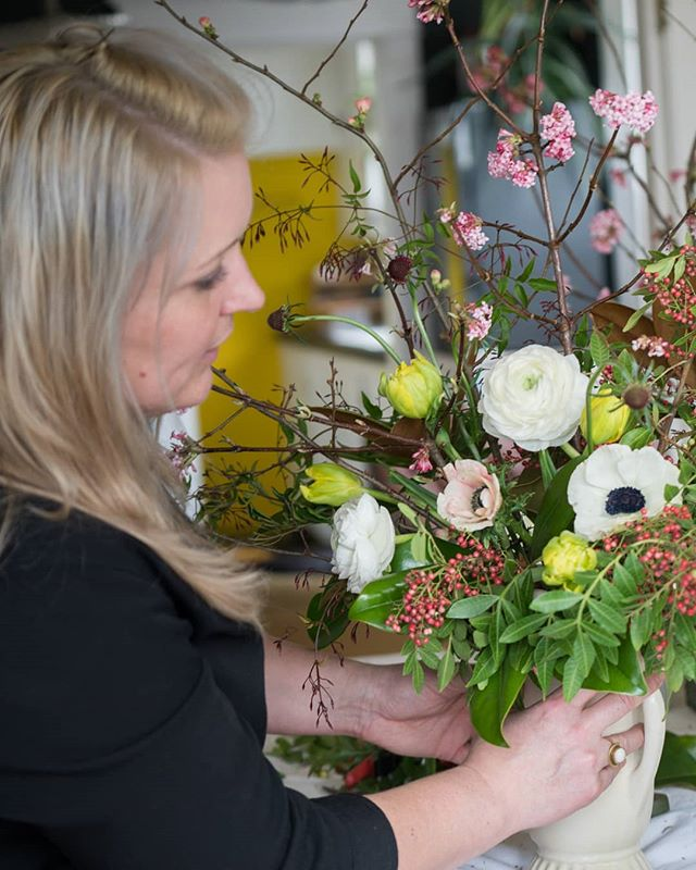 At work and loving it! One of my favorite parts of designing with flowers is creating unique arrangements with my clients' personalities in mind. Talk about endless inspiration! . photo by @builtworkphotography . #seattleflorist #seattlefloraldesigner #seattleflowerdelivery #seattleflowersubscription #seattlesmallbusiness #seattleweddingflowers #slowflowers #localflowers #mothersday #springflowers #ilovemyjob #laughinggirl #laughinggirlflowers
