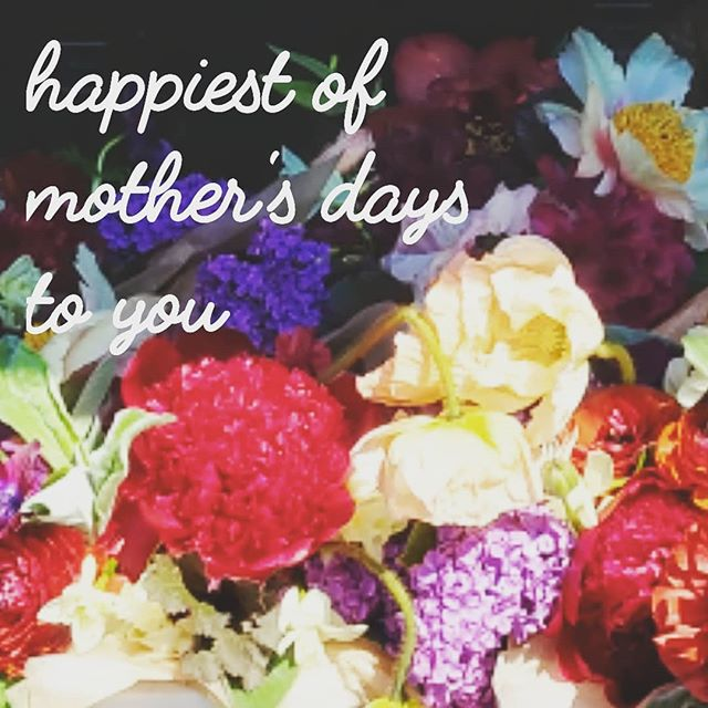 Hope you're having a wonderful day! So fun to make so many moms smile this weekend! . . #seattleflorist #seattleflowerdelivery #slowflowers #swgm #mothersday #laughinggirl #laughinggirlflowers
