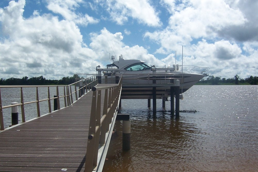 boat lift, boathouse lift, bootlift, boot lift, boatlifting systems, 8-post, bootslift, schiffshebewerk, bådehus lift, båd elevatorer, båd lift, elevador marítimo, boatlift, elevador de barcos