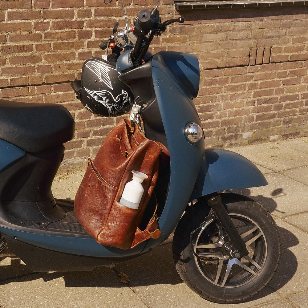 amsterdam-monsak-electric-scooter-urban.jpg