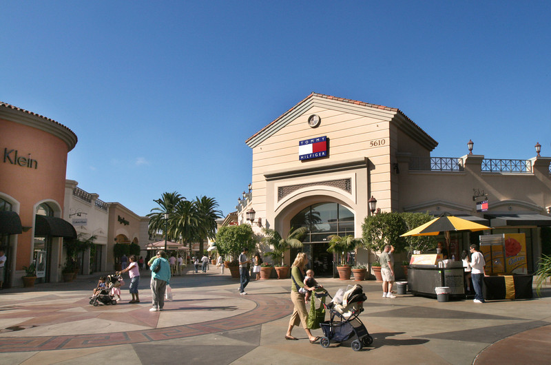 Carlsbad Premium Outlets 3.jpg