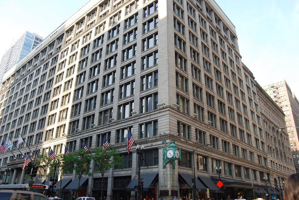 macys-rethinks-chicago-state-street-store.jpg