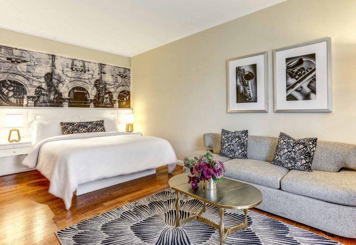 Costa-Mesa-Tribute-Hotel-King-Guestroom-726x500.jpg