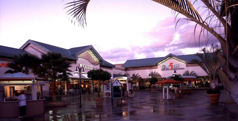 PHI_OCT_Waikele_Mall_gallery2.laptop_1040_529.jpeg