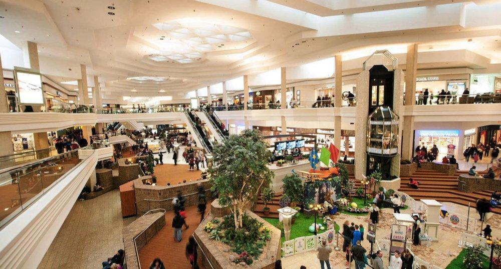 1b875014157 Woodfield Mall — IBD Destinations