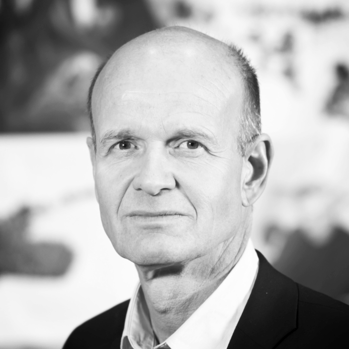 Sven Mollekleiv  President Norges Røde Kors