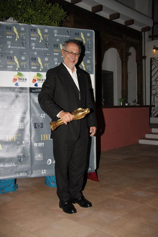 Dieter-Kosslick-with-Falcó-D'Or-Premio-Vicente-Ribas.png