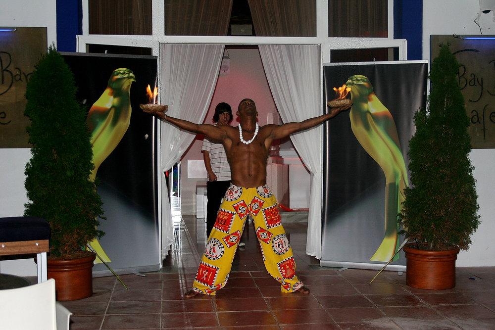 bailarin en bay bar.jpg