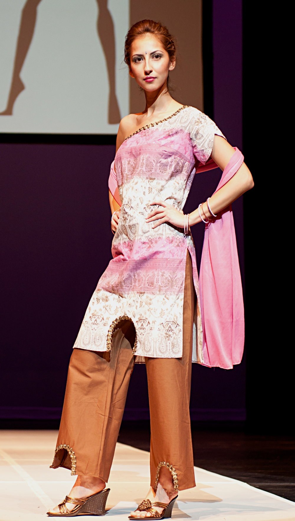 Tunic top and matching pants showcased at school fashion show