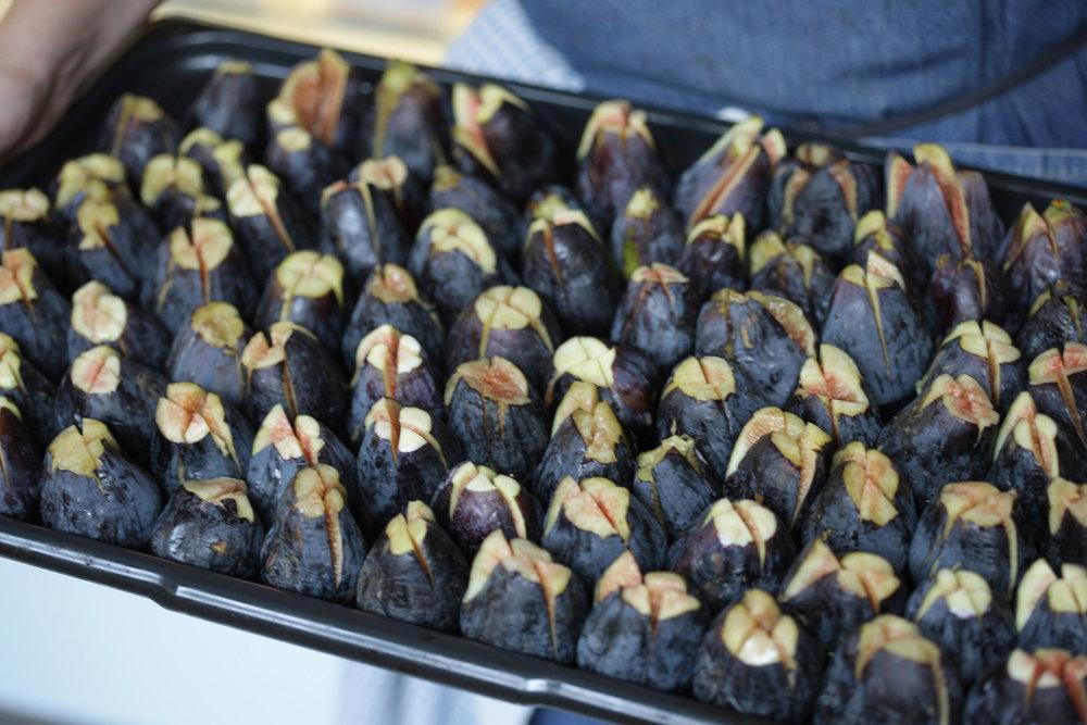 tray-of-figs-JKF_8261.jpg