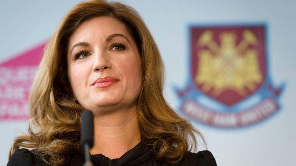 Baroness Brady talks leadership with Barclays -