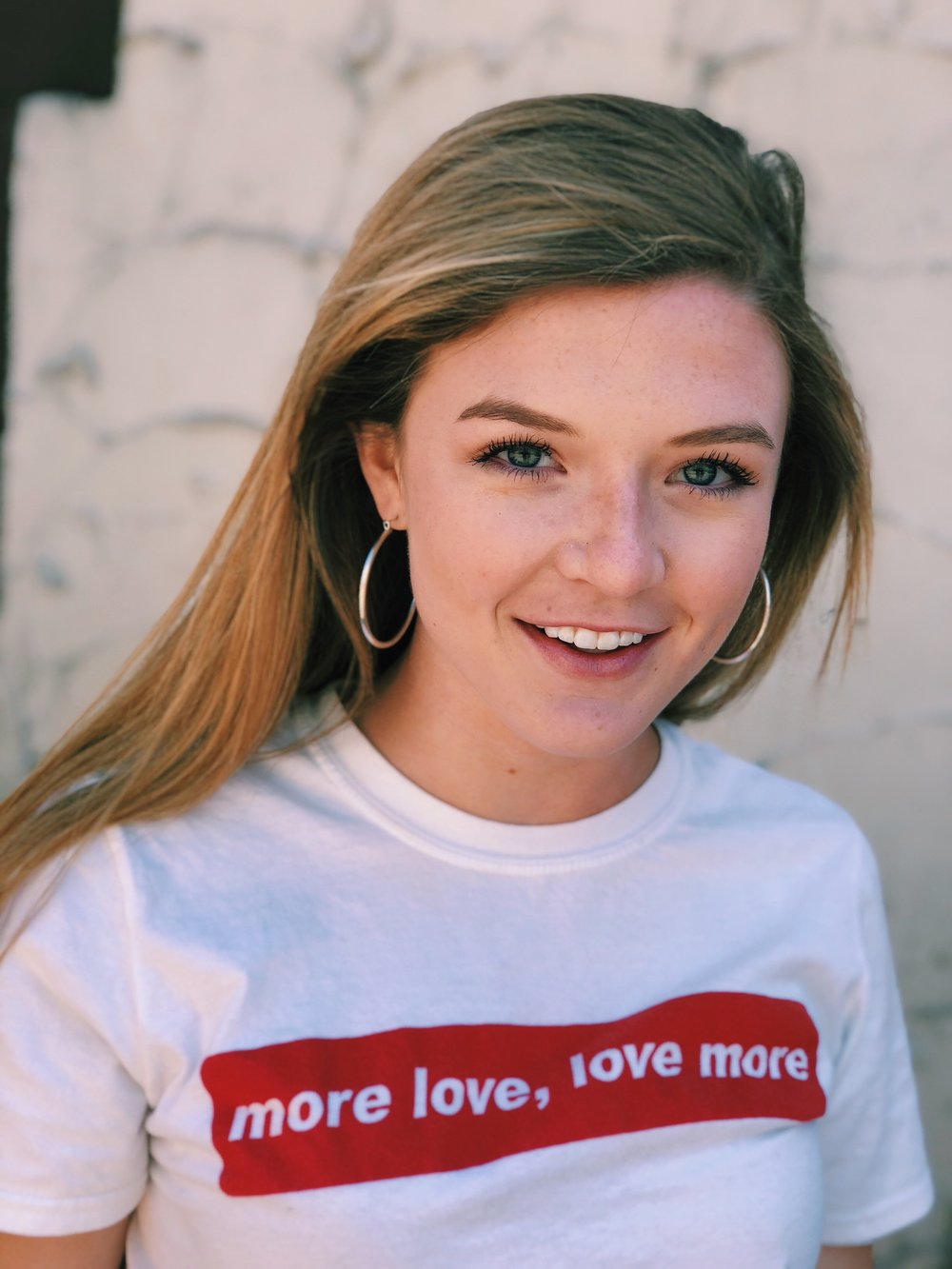 Cara is a junior double majoring in Molecular and Cellular Biology and Spanish