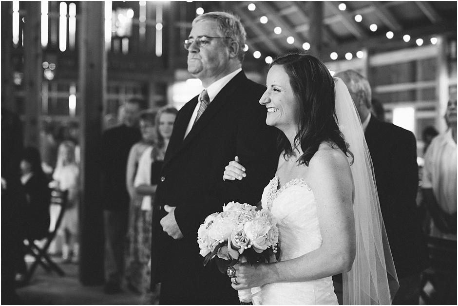The Barn at Kennedy Farm Wedding | Amore Vita Photography_0029