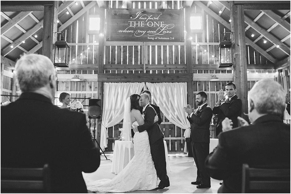 The Barn at Kennedy Farm Wedding | Amore Vita Photography_0035
