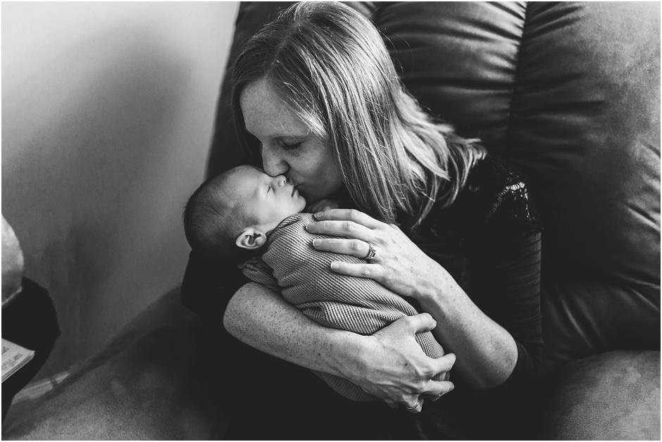 Lifestyle Newborn Session | Amore Vita Photography_0023