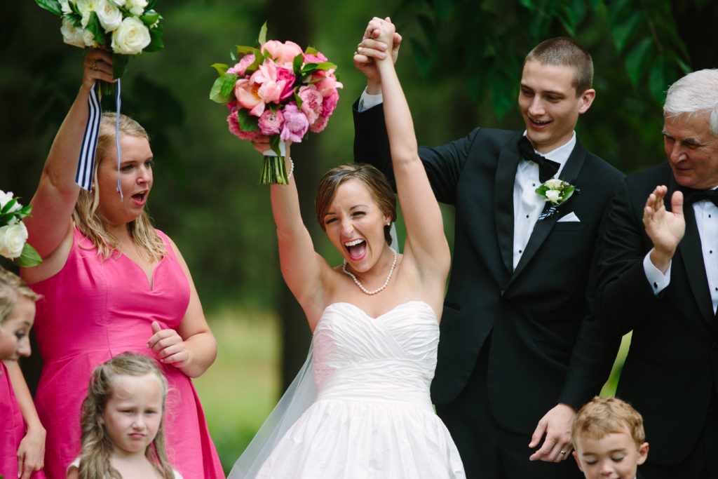 bride cheering - second shooting