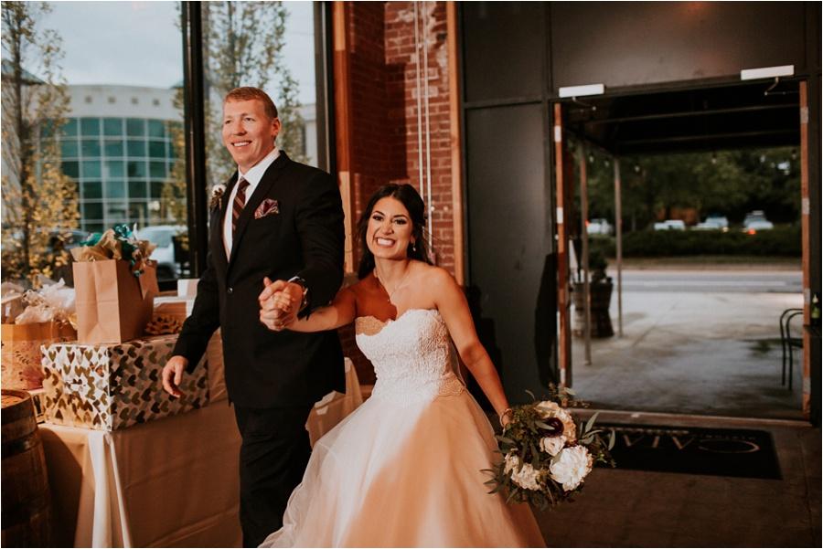 10-catawba-wedding-amore-vita-photography_0025