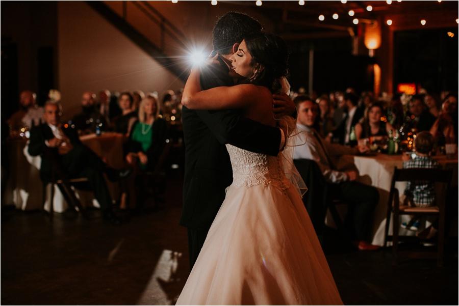 10-catawba-wedding-amore-vita-photography_0027