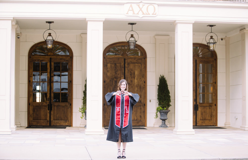 University of Alabama graduation portrait photography in Tuscaloosa, Alabama Alpha Chi Omega