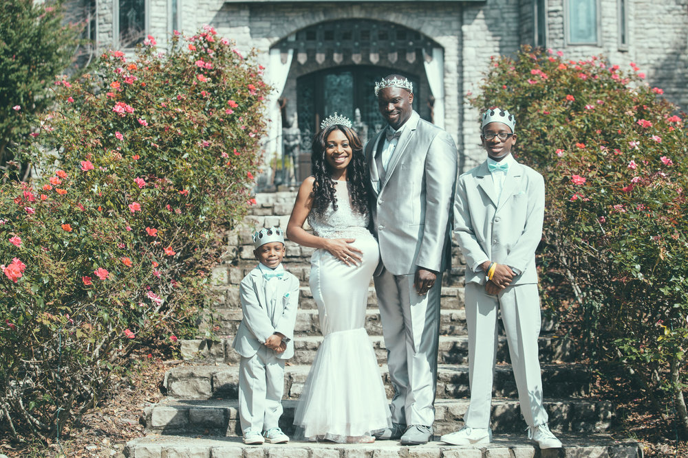 The Stallworth family had their portraits done at The Sterling Castle in Shelby, Alabama on September 24th, 2017. (Photo by David A. Smith/DSmithImages)