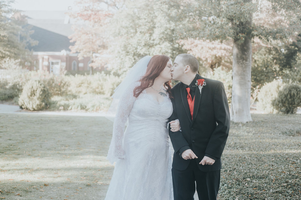 Wedding photography for Jennifer and Matthew at The Battle-Friedman House in Tuscaloosa, Alabama on November 11th, 2017. (Photo by David A. Smith/DSmithImages)