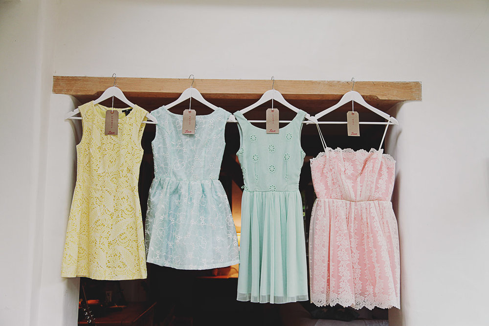 Pastel Bridesmaid Dresses - UK Alternative Wedding Photography Chloe Lee Photo