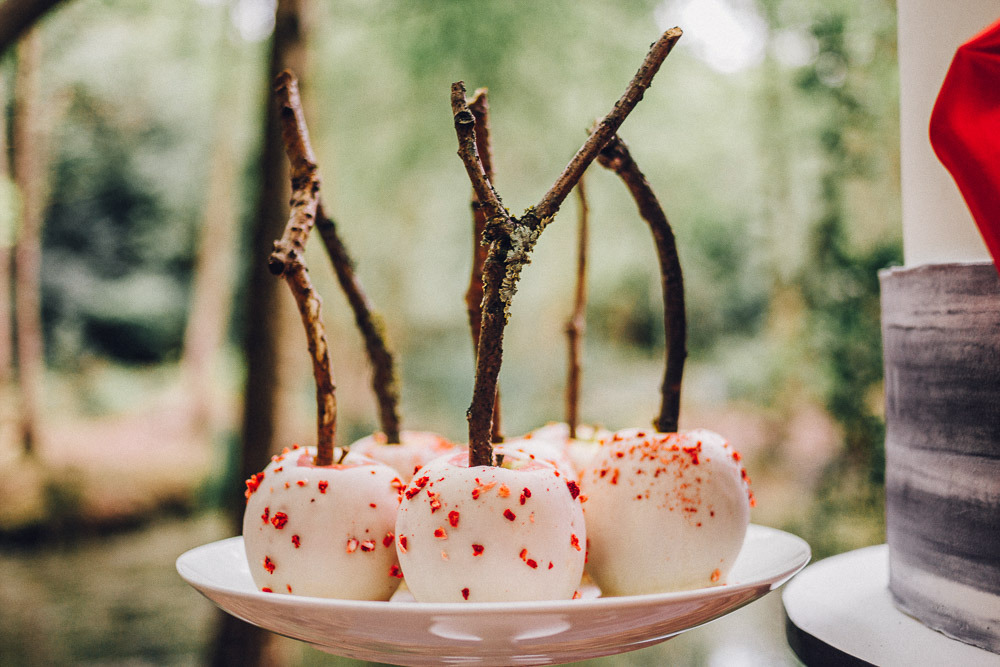 Disney Snow White Wedding Chocolate Toffee Apples - Alternative Essex Wedding Photographer