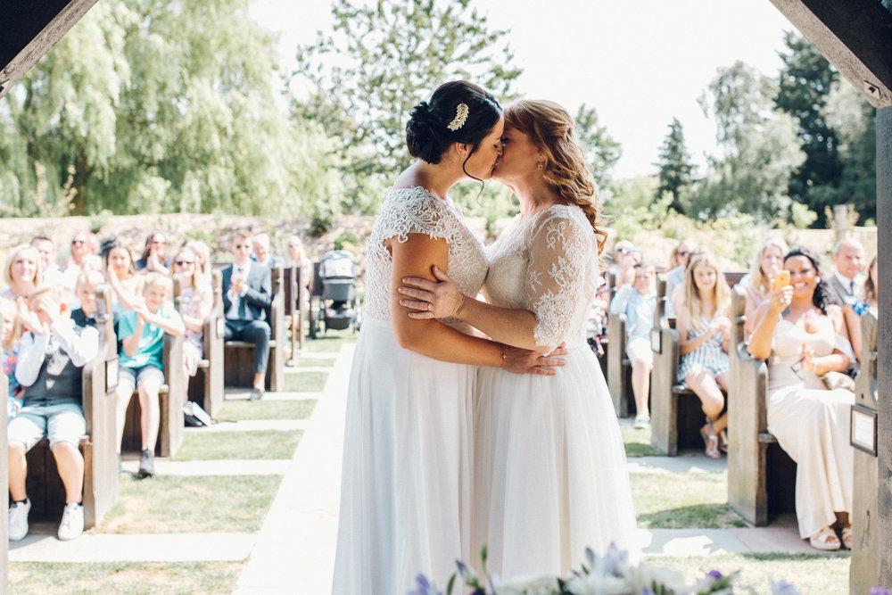 Brides First Kiss