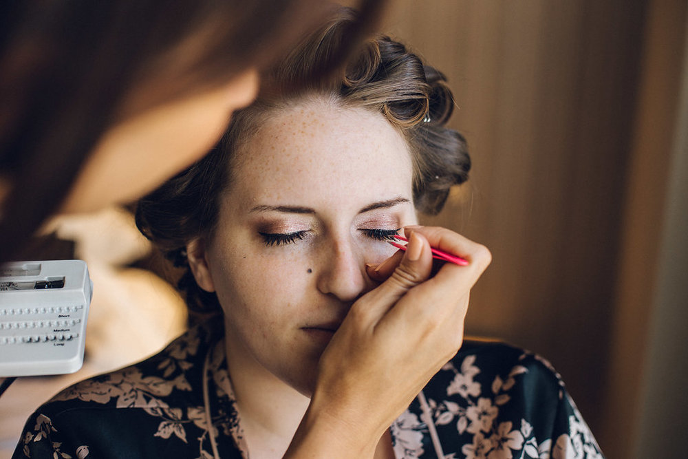 Relaxed Bridal Prep - Natural Wedding Photography
